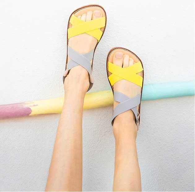 cirnaça com sandalias