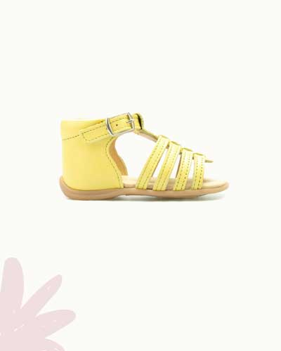 sandalias amarelas