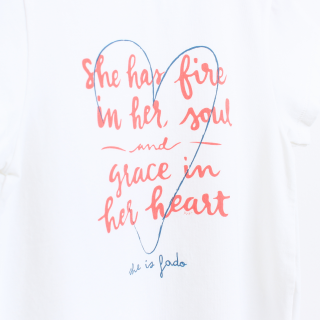 T-shirt She is Fado